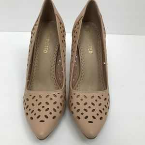 Restricted perforated beige stiletto 8.5